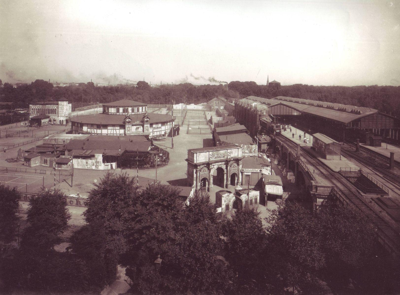 Bahnhof_Zoo_-_1898.jpg