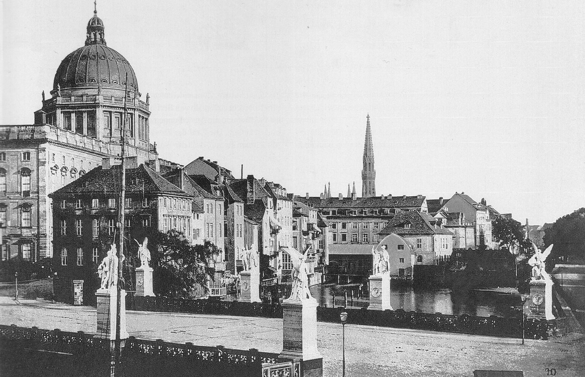 Berlin,_Schloss,_Schlossfreiheit_und_Schlossbruecke,_Foto_von_Albert_Schwartz,_1860.jpg