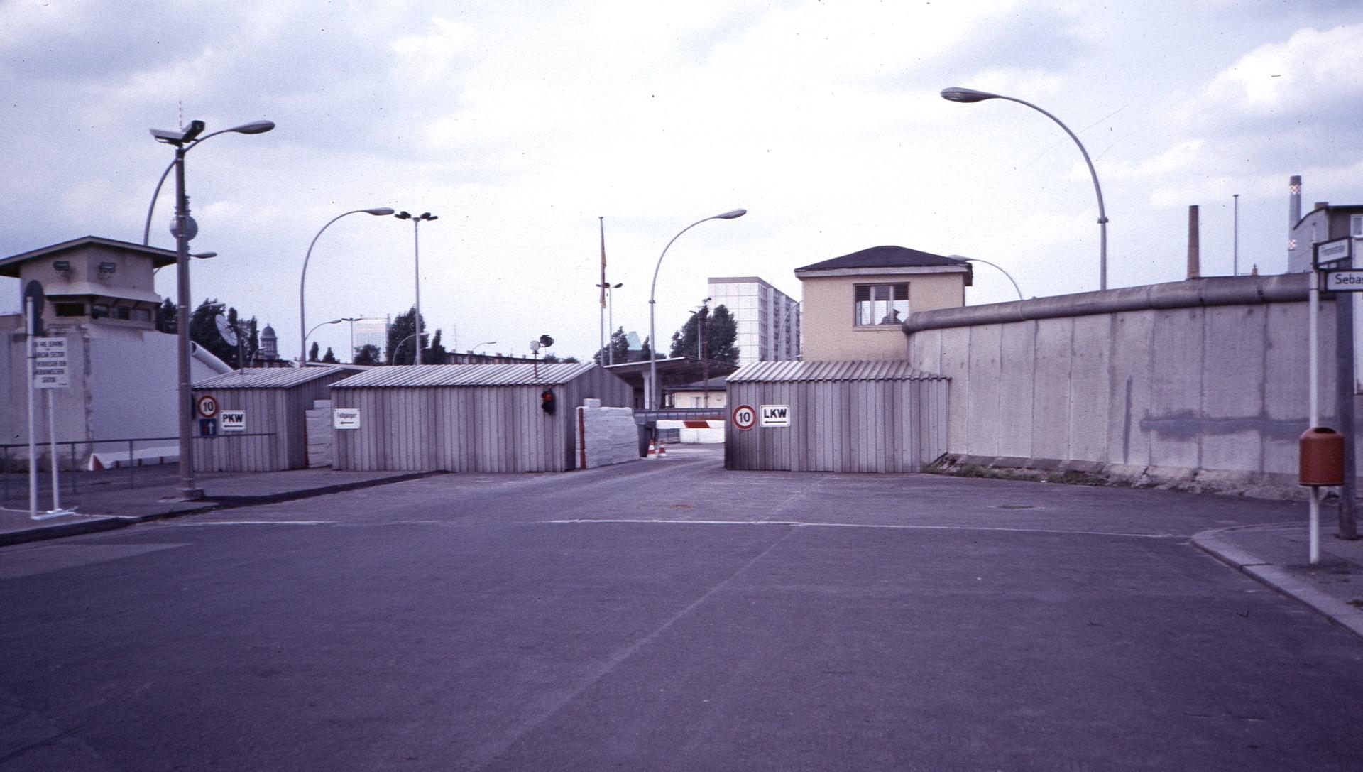 19870803a_Heinrich-Heine-Straße.jpg