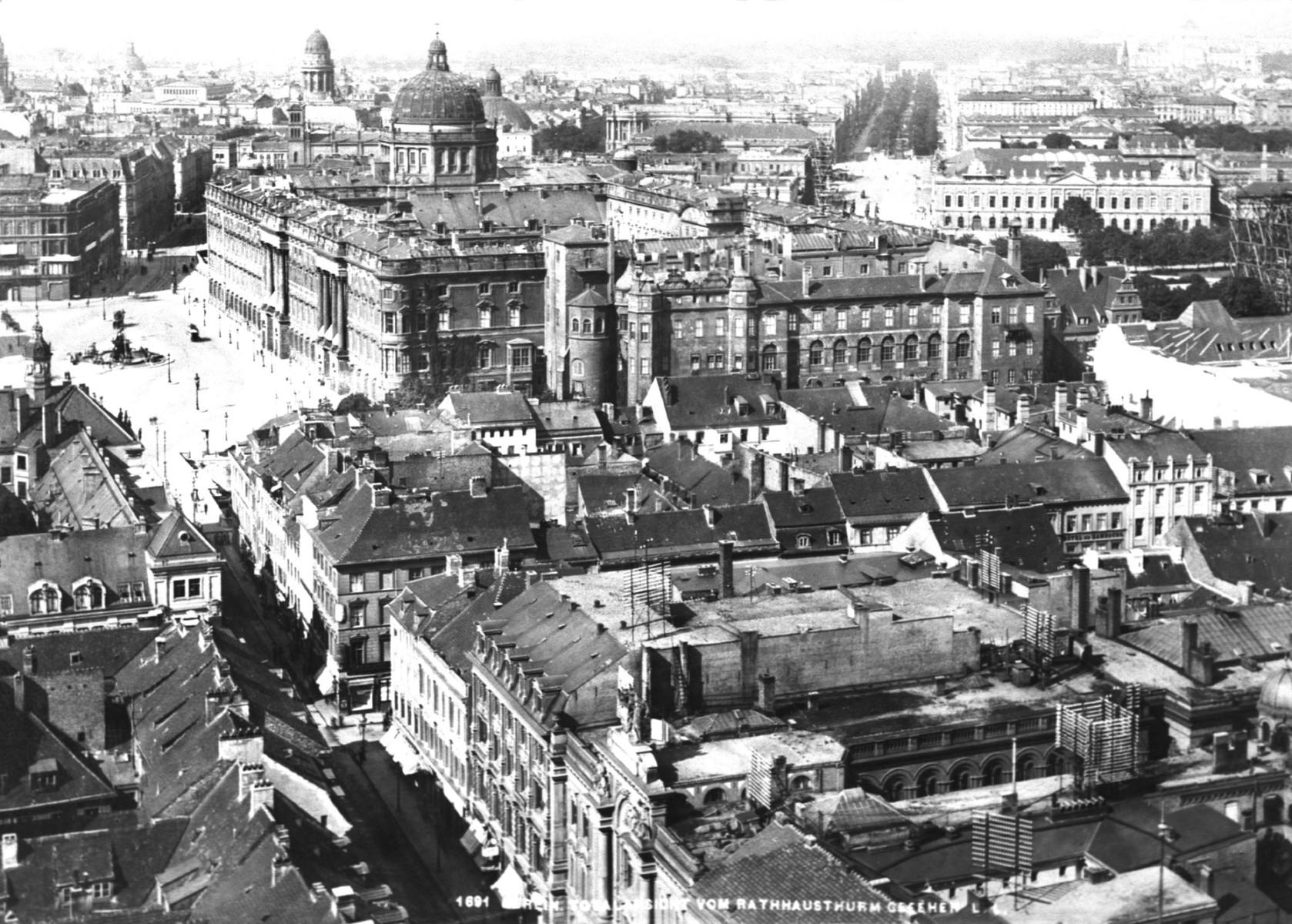 Berlin_stadtansicht_mit_schloss_1891.jpg
