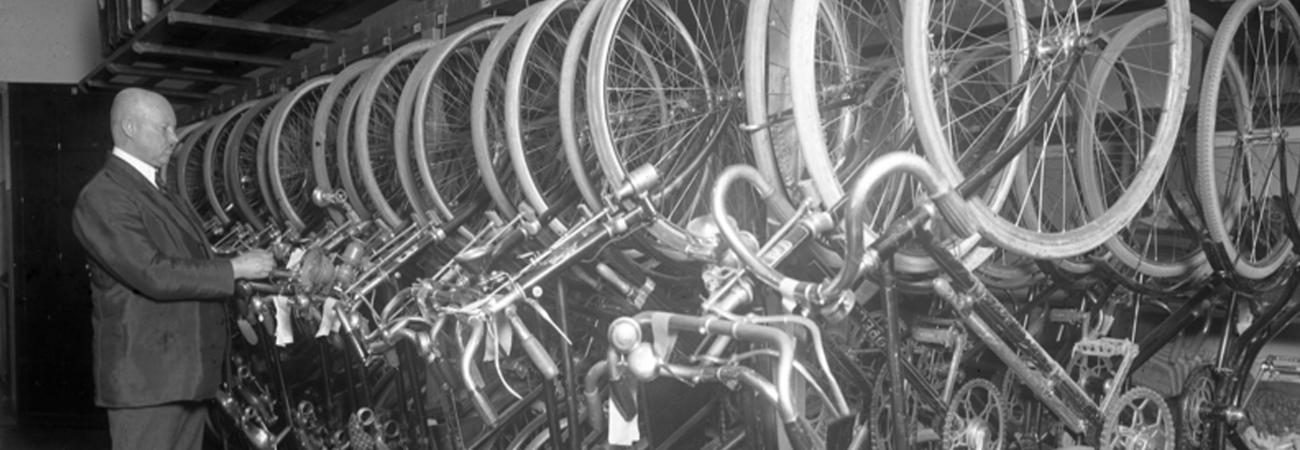 Verpfändete Freiheit – Das Fahrrad im Alltagsleben des kleinen Mannes