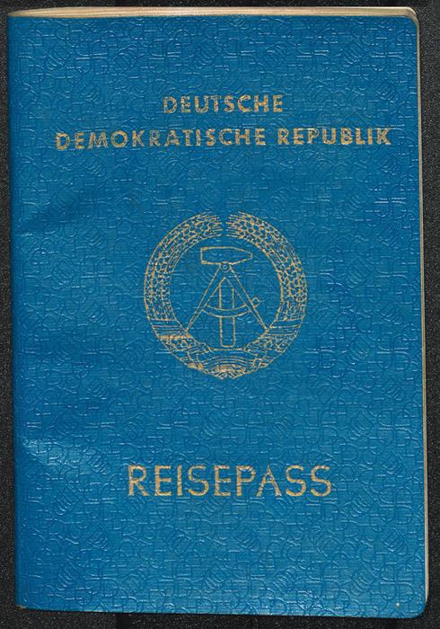 Ein Reisepass zur Maueröffnung: Erlebnisse im November 1989