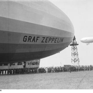 "Empfang des ""Graf Zeppelin""  in Berlin-Staaken"