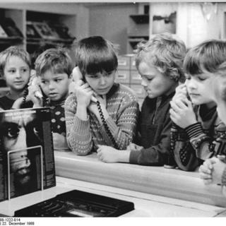 Schüler an der Phonothek