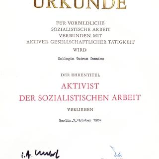 Aktivist der sozialistischen Arbeit - Urkunde für vorbildliche sozialistische Arbeit verbunden mit aktiver gesellschaftlicher Tätigkeit