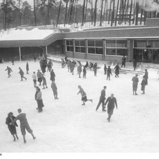 Eisbahn des Freibades Wannsee