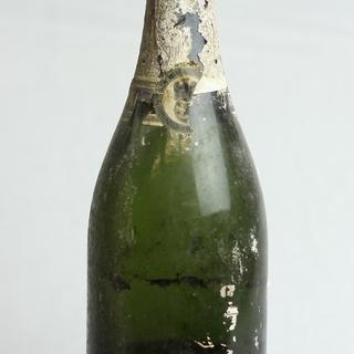 Die letzte Sektflasche vom Hotel Adlon?