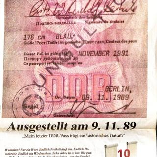 """Zeitungsartikel """"Ausgestellt am 9.11.1989 - mein letzter DDR-Paß trägt ein historisches Datum"""""""