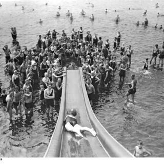 Wasserrutschbahn im Strandbad Wannsee