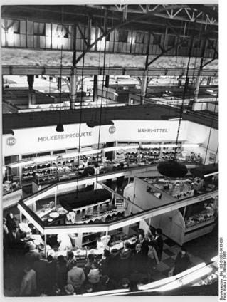 Berlin, Zentralmarkthalle, Ladenstraße