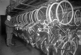 Fahrräder im städtischen Leihhaus, Berlin 1926