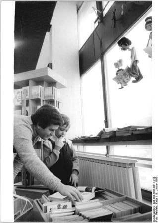Berlin, Bücherei, Kinderabteilung