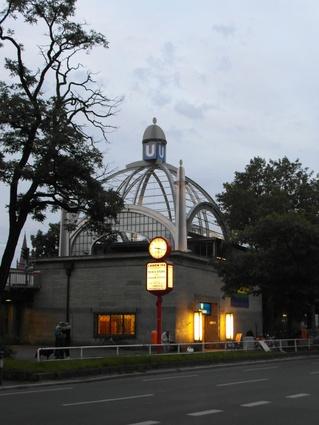 Berlin_-_U-Bahnhof_Nollendorfplatz_-_Linien_U1,U2,U3,U4_(7599970430).jpg
